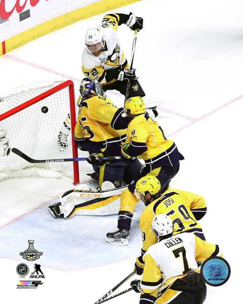 2017 Stanley Cup - Patric Hornqvist Unsigned 8X10 Photo (Game Winning Goal)