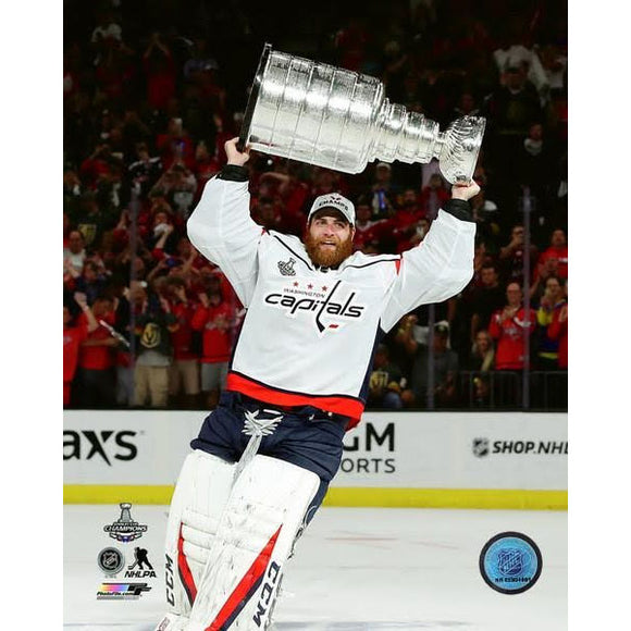 2018 Stanley Cup - Braden Holtby w/Cup