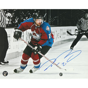 Peter Forsberg Autographed Colorado Avalanche 8X10 Photo (B+W Background)