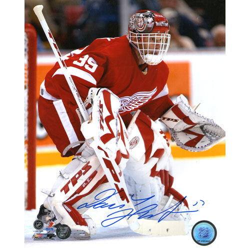 Dominik Hasek Autographed Detroit Red Wings 8X10 Photo