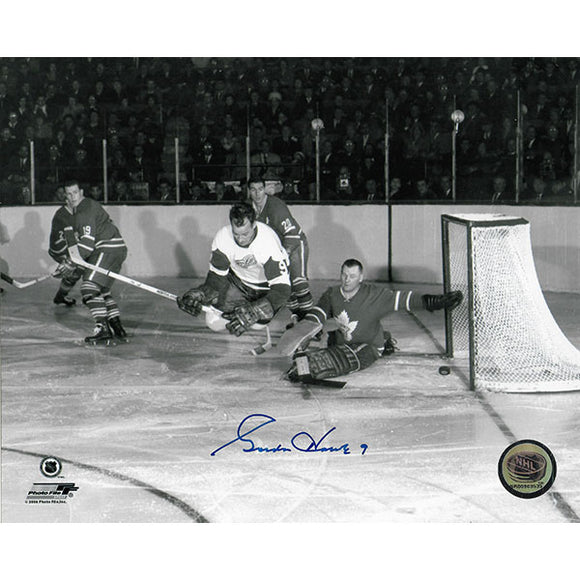 Gordie Howe Autographed 8X10 Photo (Scoring in Air vs. Johnny Bower)