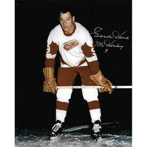 Gordie Howe Autographed Detroit Red Wings 8X10 Photo (Red Wings Posed 4)