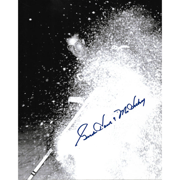 Gordie Howe Autographed 8X10 Photo (Stopping w/snow)