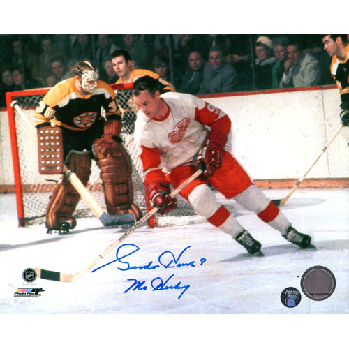 Gordie Howe (deceased) Autographed Detroit Red Wings 8X10 Photo