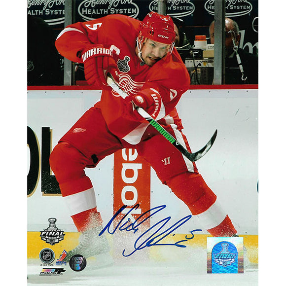 Nicklas Lidstrom Autographed Detroit Red Wings 8X10 Photo