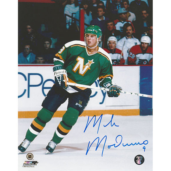 Mike Modano Autographed Minnesota North Stars 8X10 Photo