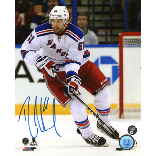 Rick Nash Autographed New York Rangers 8X10 Photo (Chase on boards)