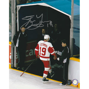 Steve Yzerman Autographed Detroit Red Wings 8X10 Photo