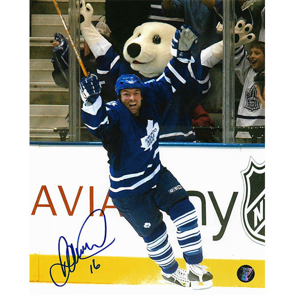 Darcy Tucker Autographed Toronto Maple Leafs 8X10 Photo (Celebrating)