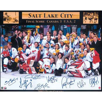 2002 Team Canada Olympic Women Autographed 16X20 Photo