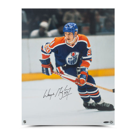 Wayne Gretzky Autographed Rookie Season 16X20 Photo - UDA