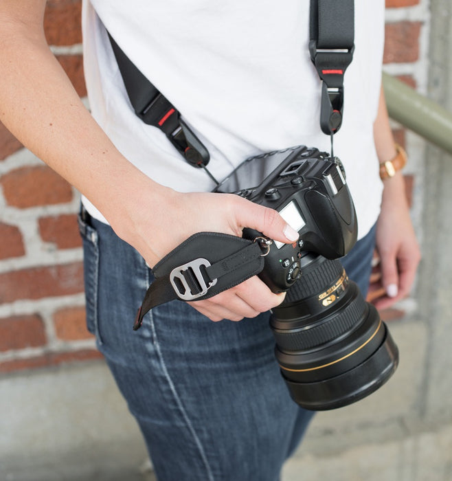 Peak Design Clutch V3: Quick-Attaching, Quick-Adjusting Hand Strap - Black