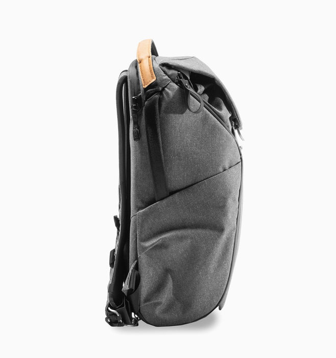 "Peak Design Everyday 16"" Laptop DSLR Backpack 20L V2 - Charcoal"