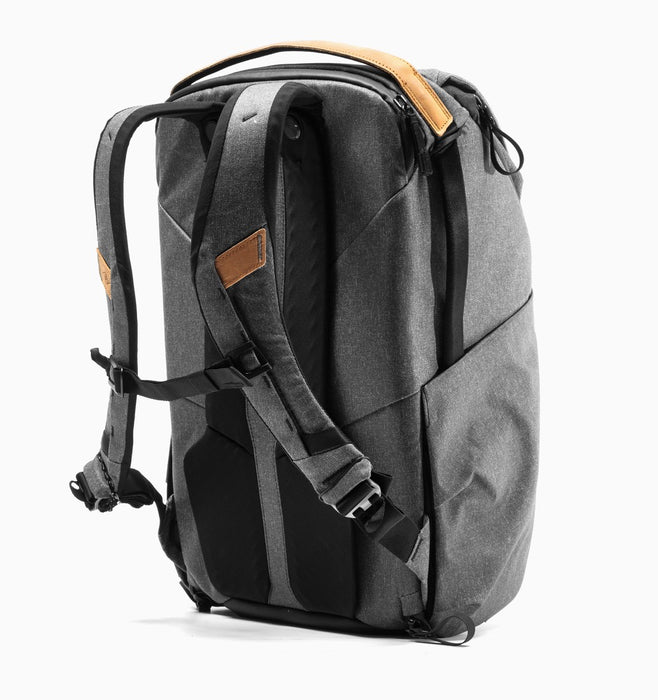 "Peak Design Everyday 16"" Laptop DSLR Backpack 30L V2 - Charcoal"
