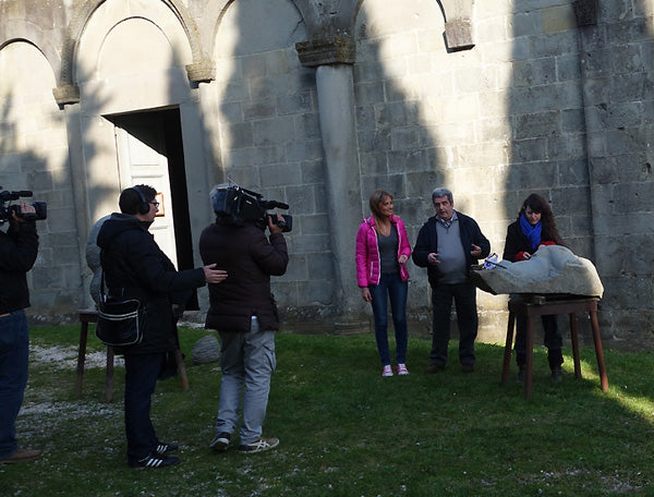 RAI TV Linea Verder Interview of Symposium artists in front of La Pieve Church Castelvecchio Valleriana