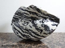 Load image into Gallery viewer, Pouty Lips Zebra Lips Black and White Marble Sculpture