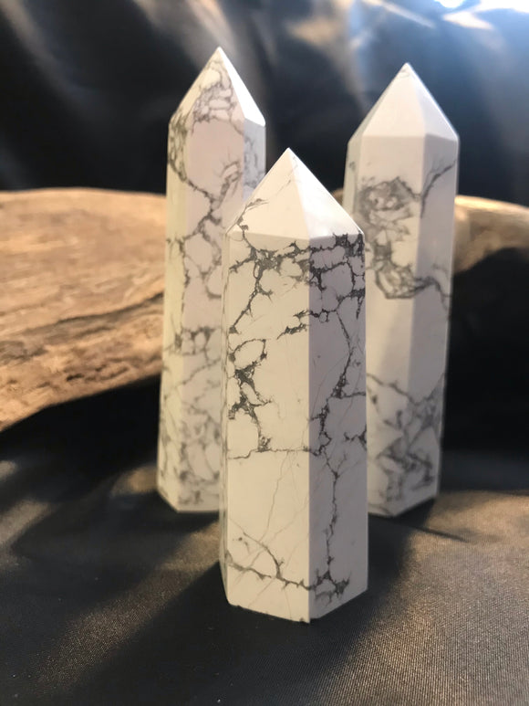 Howlite tower
