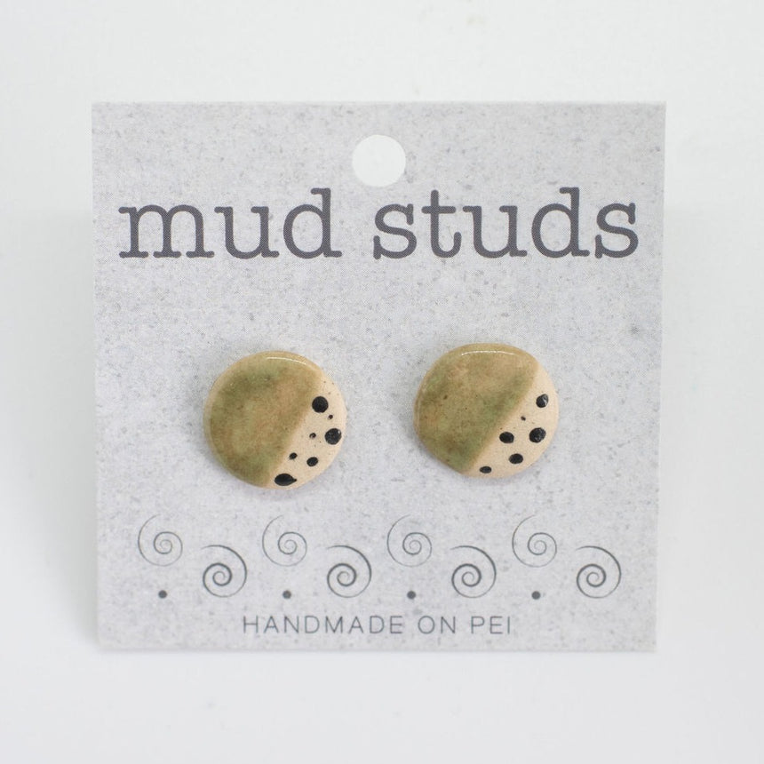 Pebbles By The Lake Mud Studs