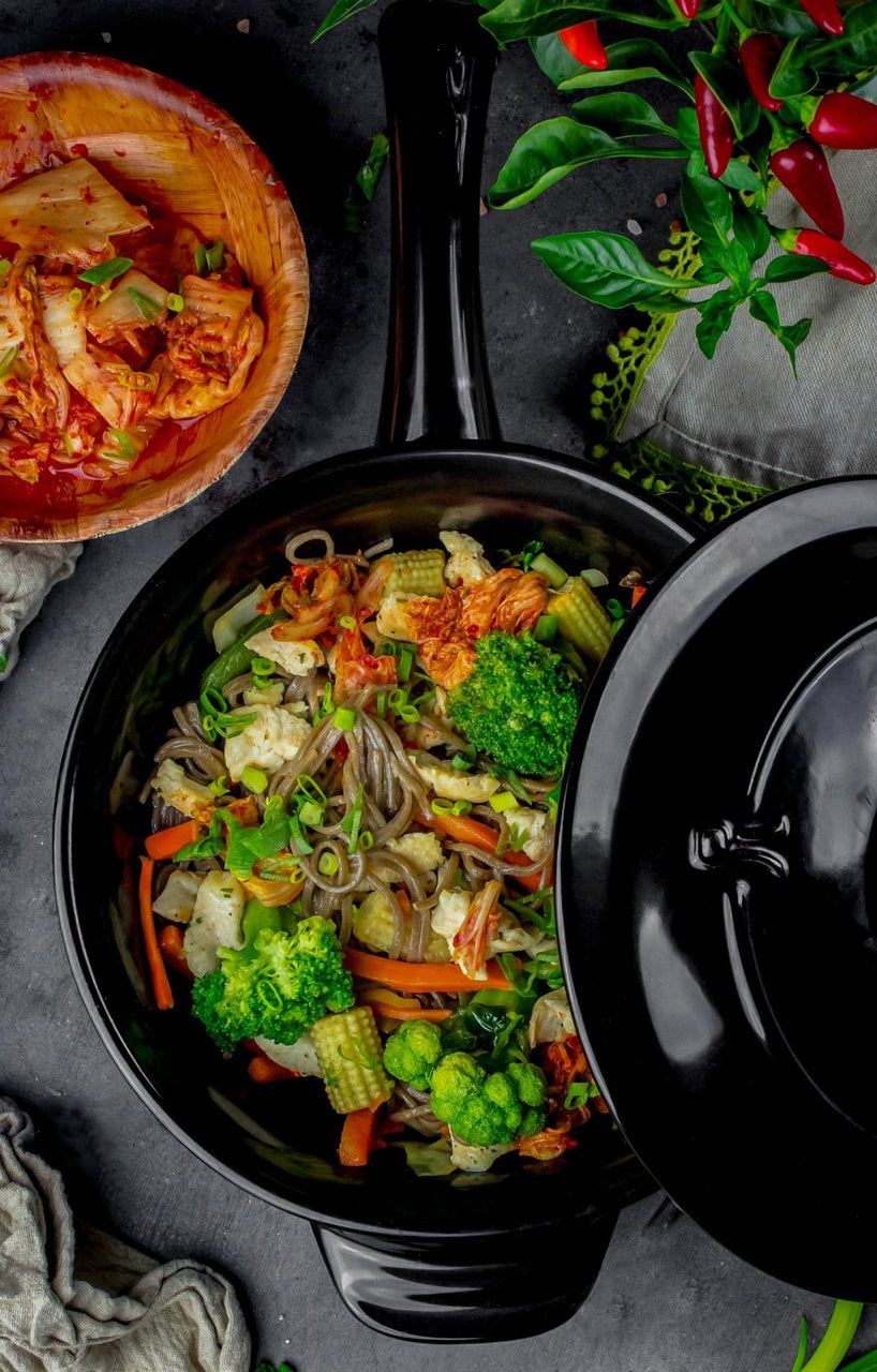 22cm Traditions Wok with Lid
