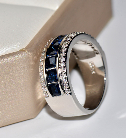 Collection: Blue Sapphire Inlaid Diamond Ring