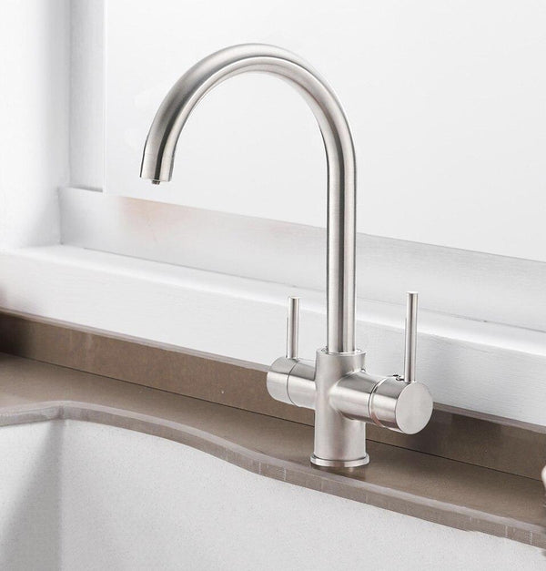 Modern Kitchen Faucet With Filtered Water