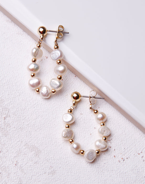 Freshwater Pearl Oval Hoop- Gold