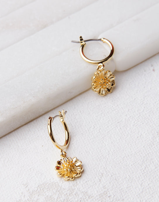 Detailed Gold Daisy Mini Hoop- Gold