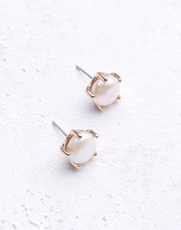 Pearl Prong Stud