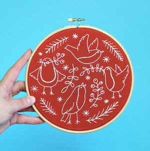 Red Red Robins Embroidery Kit