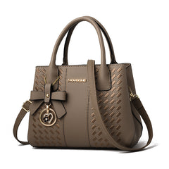 Casual luxury handbag with bow embroidery