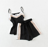 Sling top + shorts with high waist and wide legs