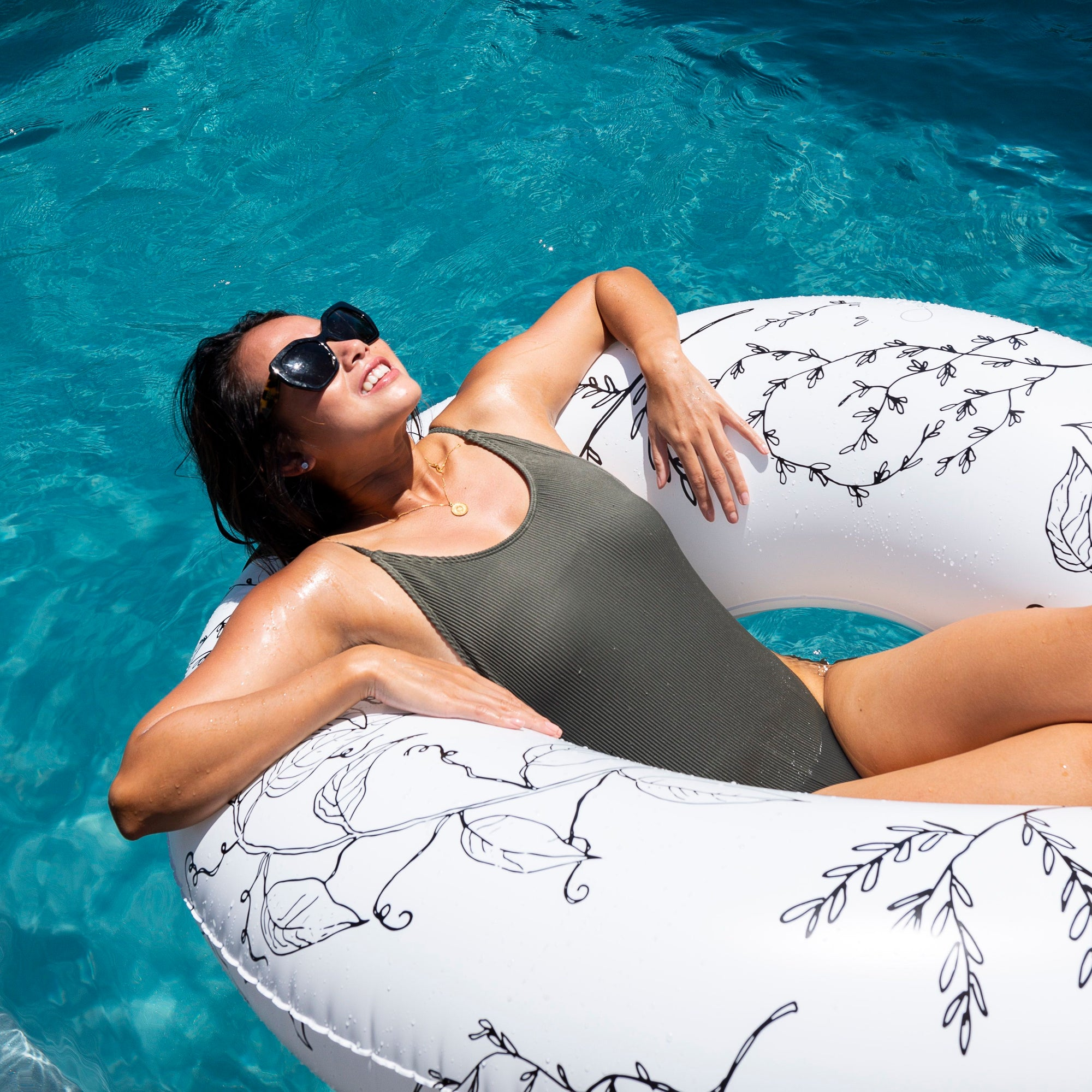 &SUNDAY designer pool floats