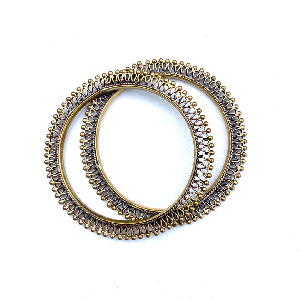 PAIR OF BRASS FILIGREE THIN BANGLES