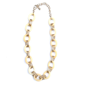 CREAM AND GOLD CHAIN NECKLACE