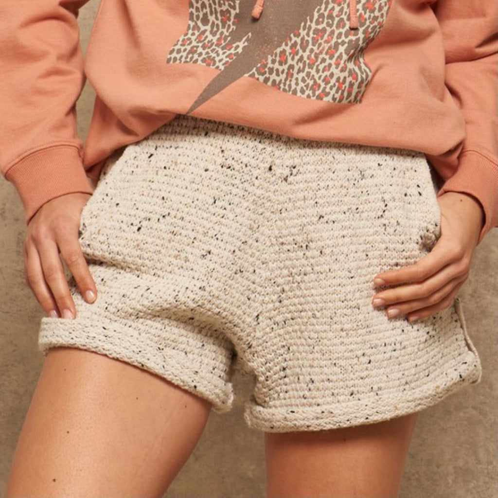 GOOD VIBES - CREAM SWEATER KNIT SHORTS