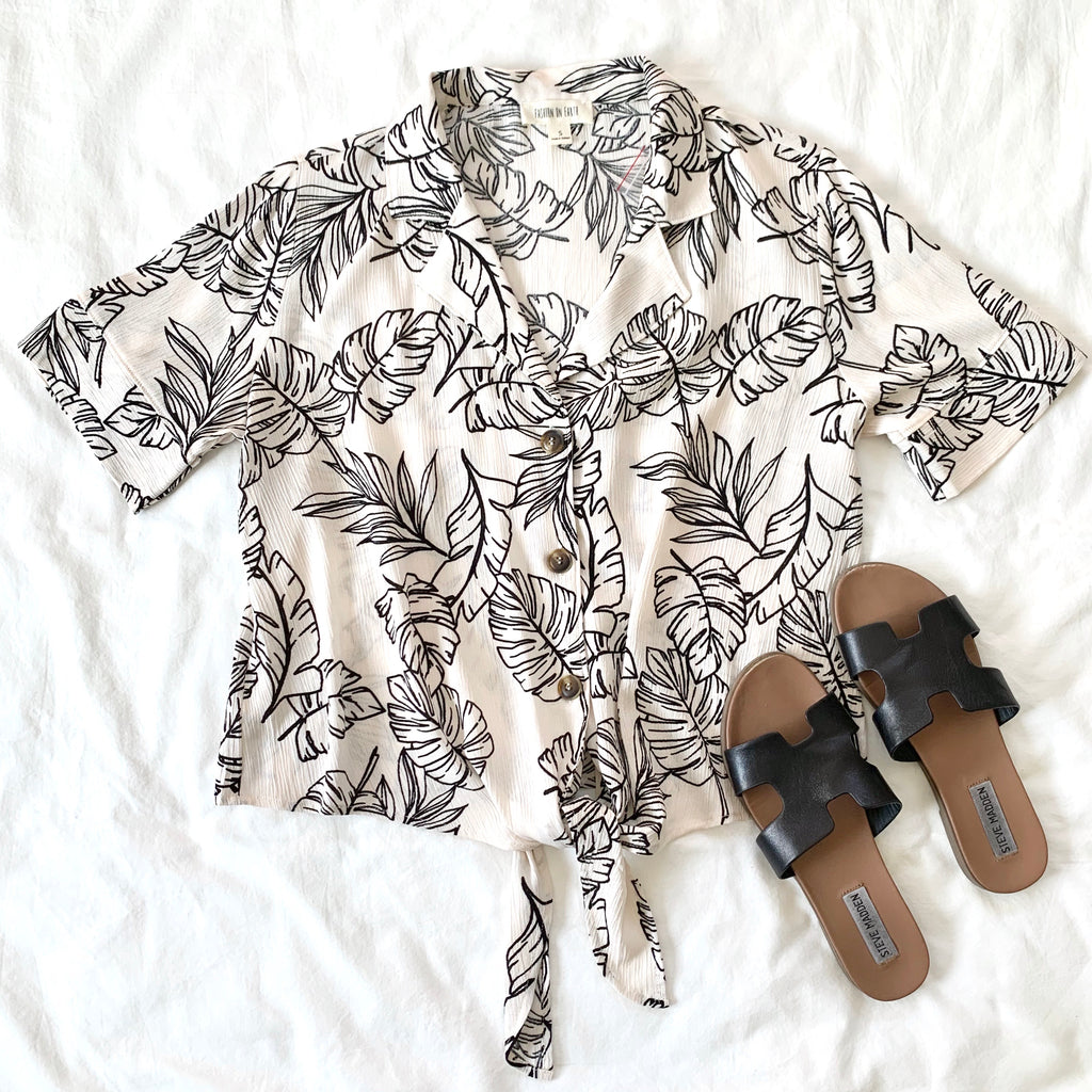INTO THE WILD - IVORY TROPICAL BUTTON DOWN