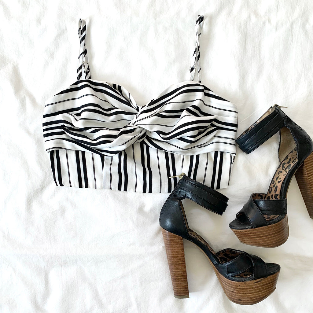 VIBRANT ME - BLACK AND WHITE CROP TOP