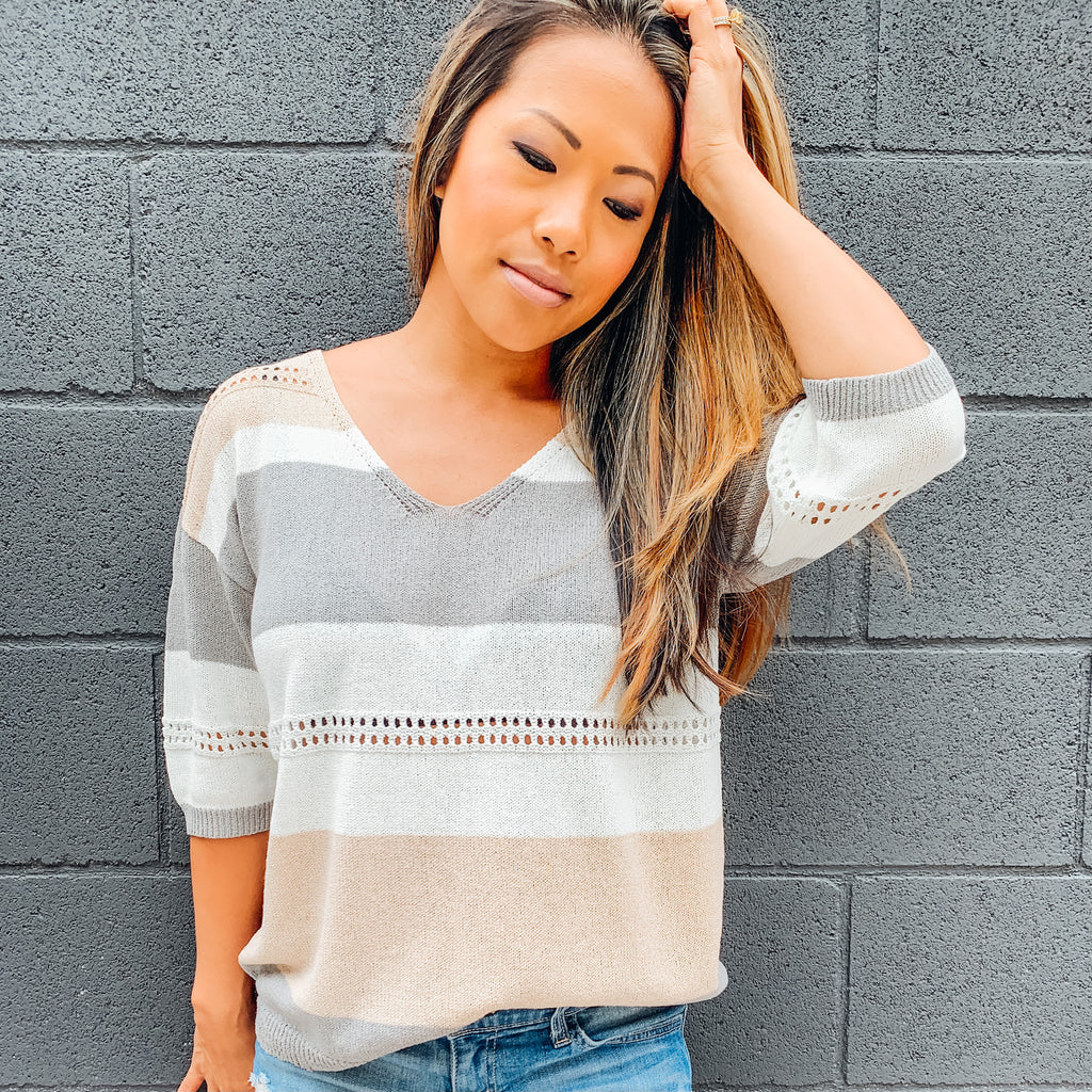 LET IT BREATHE - STRIPPED SHORT SLEEVE SWEATER