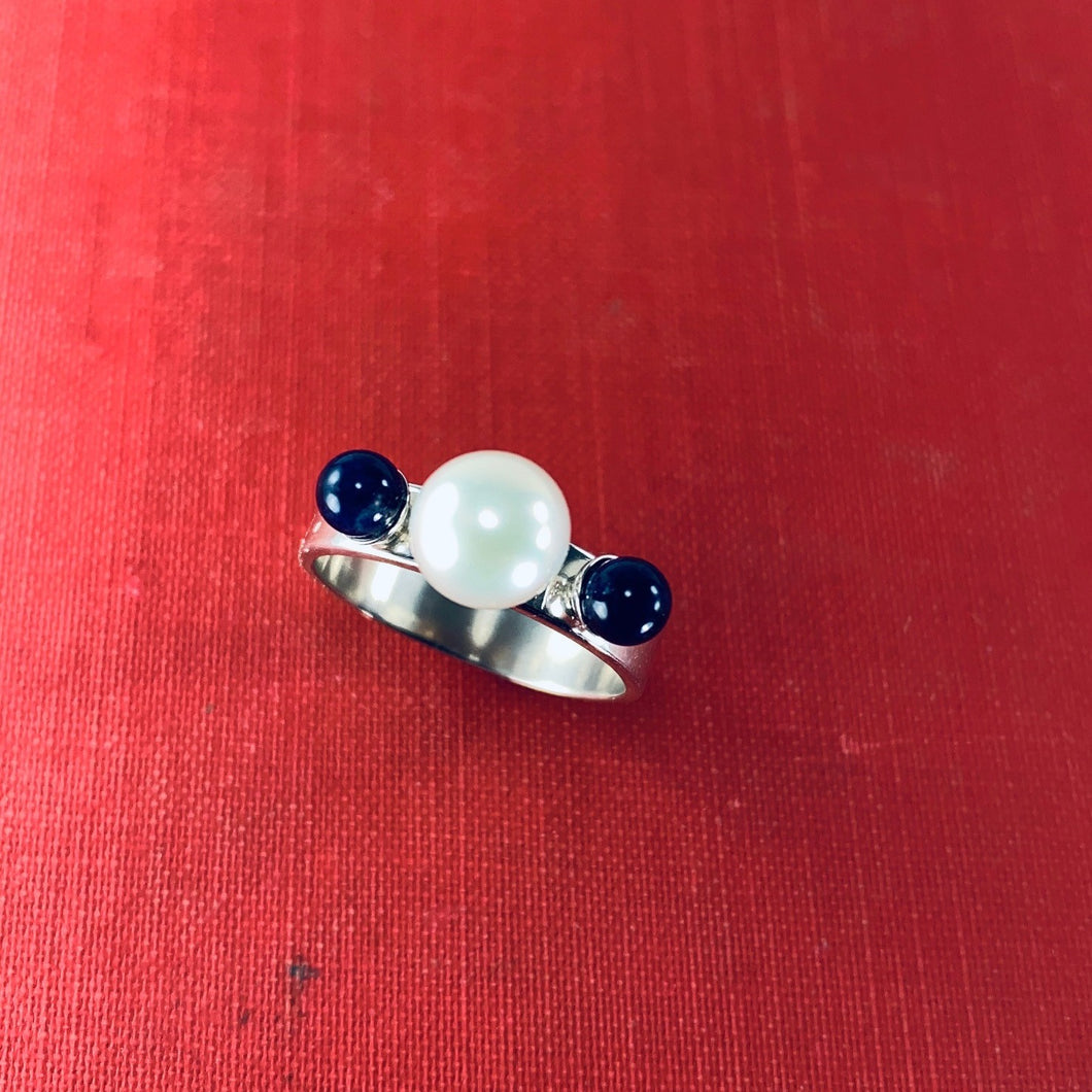 Tri Pearl and Sodalite Ring