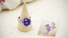 Load image into Gallery viewer, Ancient Goddess Chic Dainty Flower Ring - Verna Artisan Works