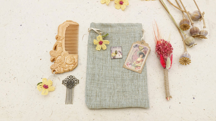 Hair Comb Gift Set in a Pouch - Verna Artisan Works