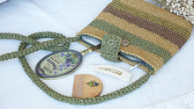 Load image into Gallery viewer, Knitted Straw Bag - Verna Artisan Works