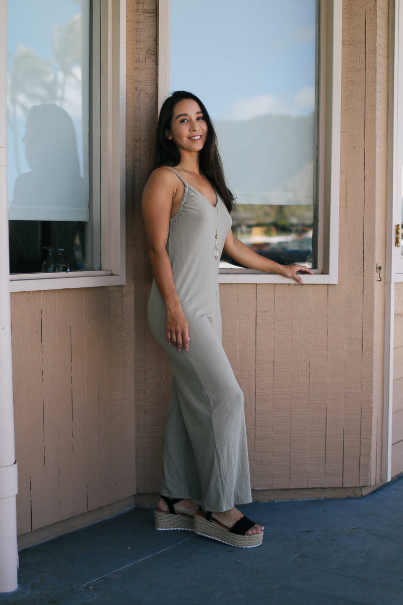 Ribbed V-neck Jumpsuit (3 colors)
