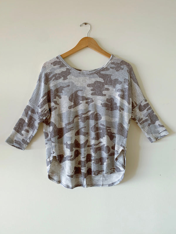 Knitted 3/4 Sleeve Camo Top