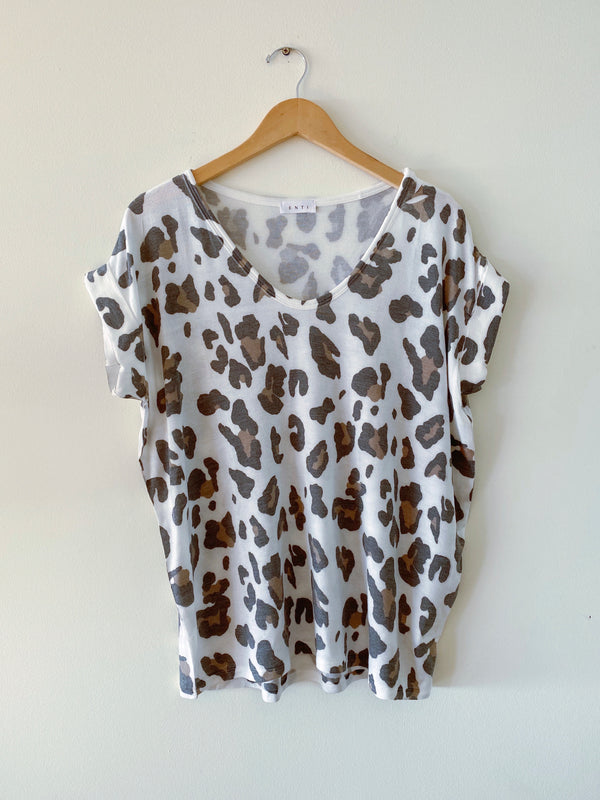 Animal Print Tee (2 colors) WHITE RESTOCK