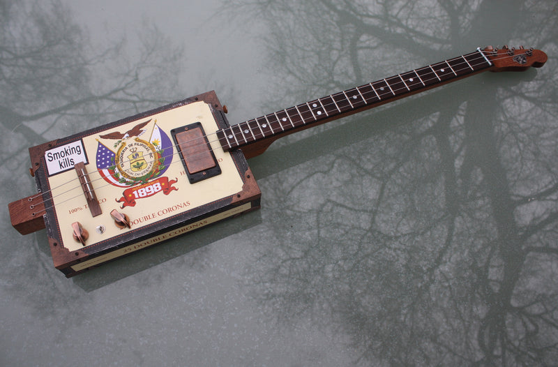 Independencia  - 3 String  humbucker Cigar Box Guitar