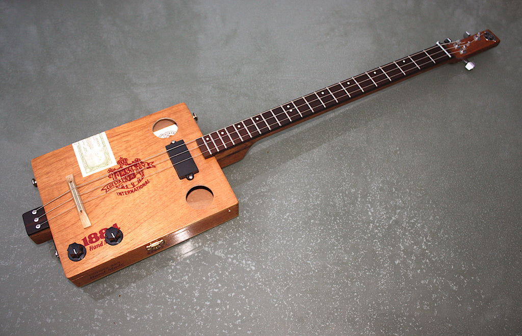 Cuesta del Rey - 3 String Cigar Box Guitar