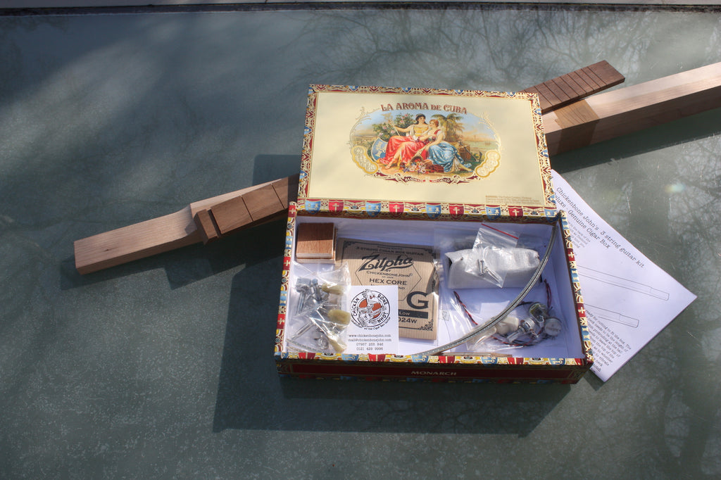 Aroma de C. Deluxe - 3 String humbucker Cigar Box Guitar Kit