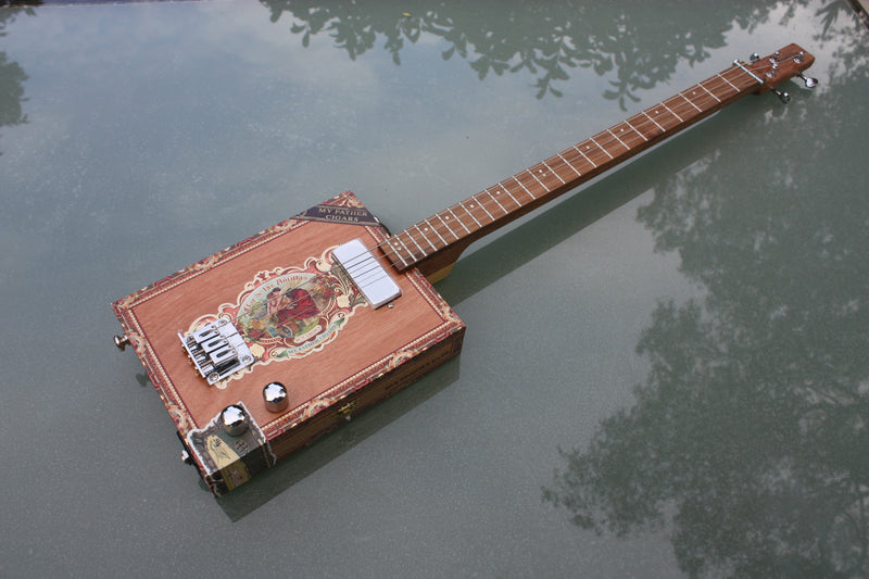 Flor de las Antillas - 3 String Cigar Box Guitar