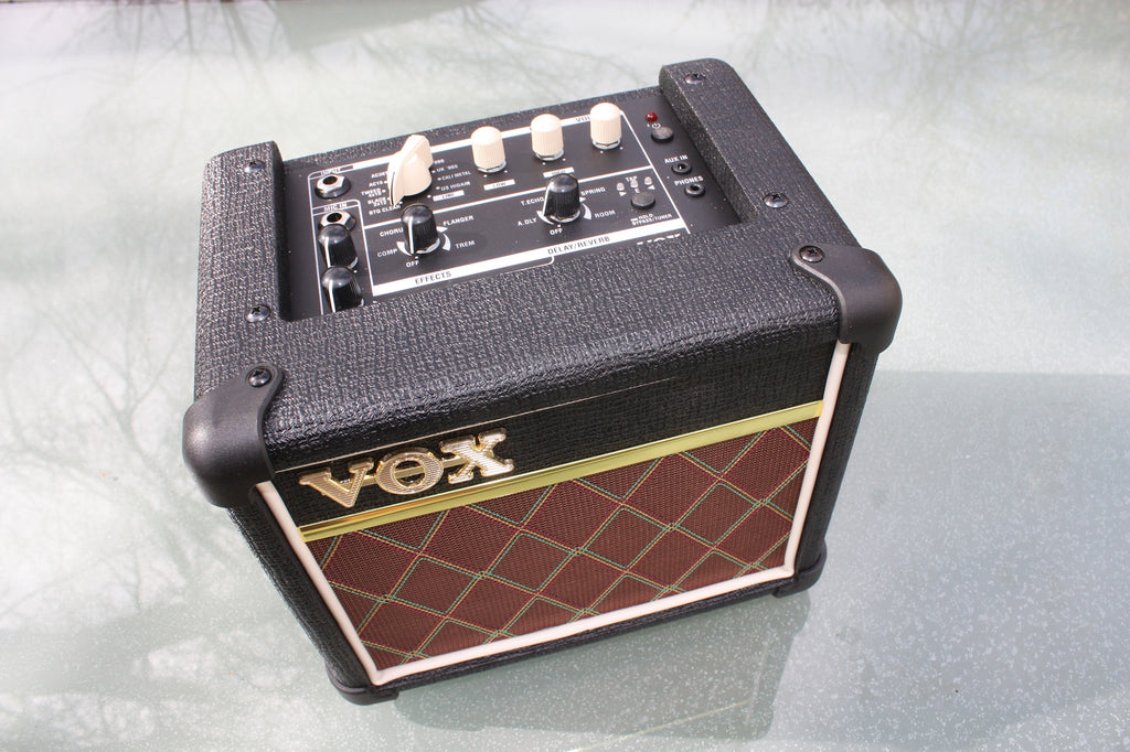 VOX Mini3 G2 mains / battery amp